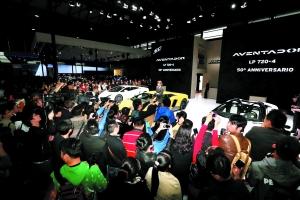 上海车展 全球目光看过来