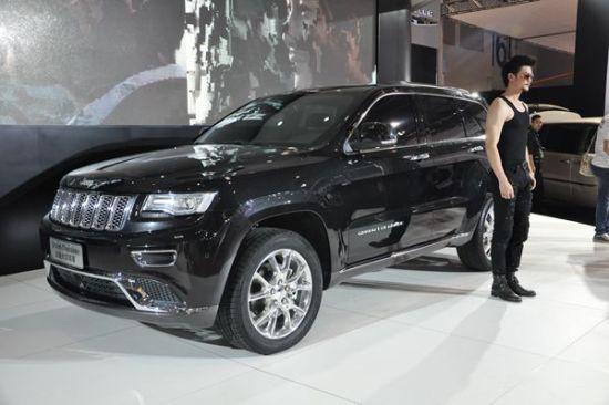 2014款Jeep大切诺基亮相重庆国际车展