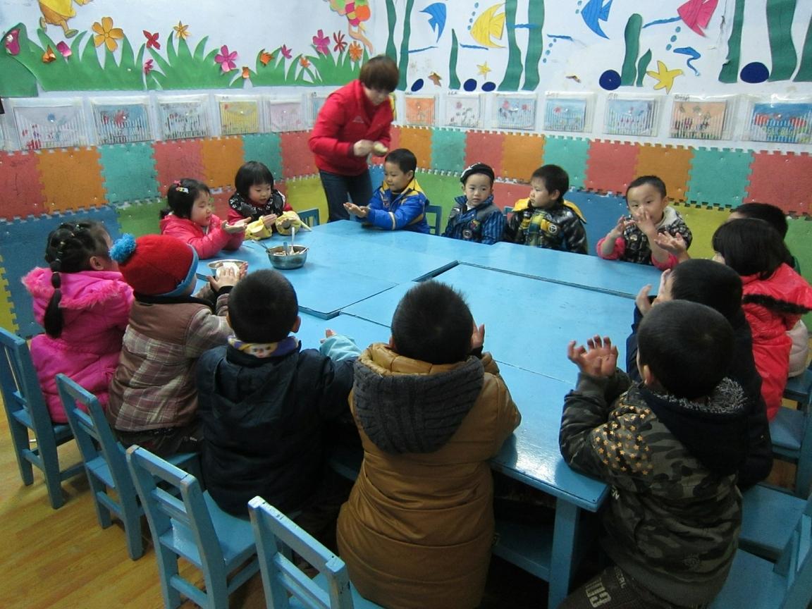 遂宁红苹果实验幼儿园--自己包饺子(图)
