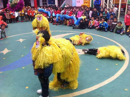 幼儿园舞龙舞狮手工作品